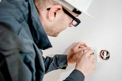 Electrician Insurance - Contractors Insurance - Morison Insurance - Ontario, Canada